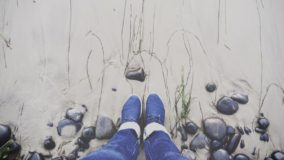 sand-beneath-feet-284x160.jpg
